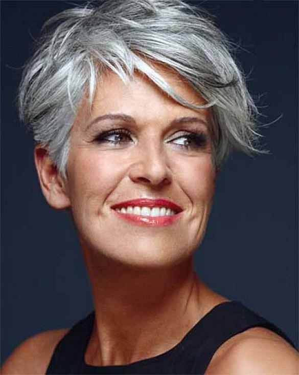 Gray Very Short Hairstyles For Oblong Shaped Face Older Woman With Inside Short Haircuts For Coarse Gray Hair (View 7 of 20)