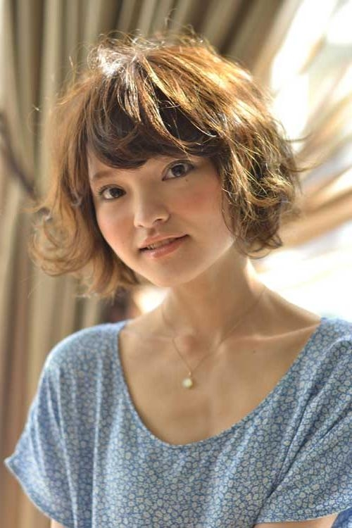 Hairstyle With Bangs And Get Ideas How To Change Your Hairstyle With Short Haircuts With Bangs (View 14 of 20)