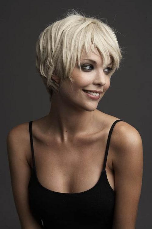 Hairstyles For Women With Round Face In Sporty Short Haircuts (View 12 of 20)