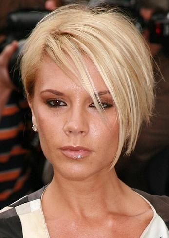 Hairstyles: Victoria Beckham – Short Blonde Hairstyle With Regard To Victoria Beckham Short Haircuts (View 16 of 20)