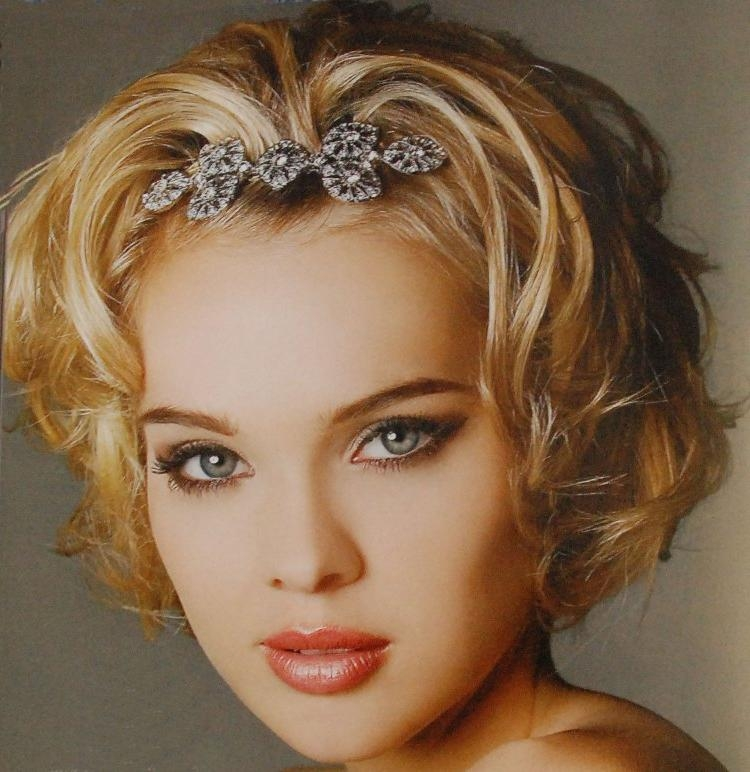 Headband Short Curly Hair 05 – Latest Hair Styles – Cute & Modern Pertaining To Cute Short Hairstyles With Headbands (View 10 of 20)