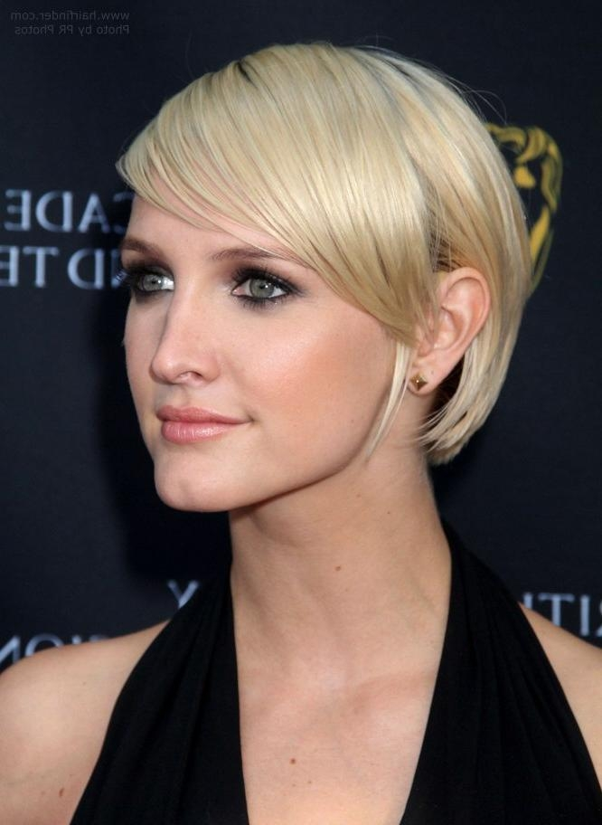 Featured Photo of Ashlee Simpson Short Hairstyles