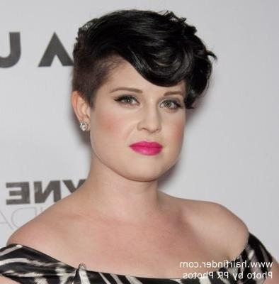 Jenna Elfman With Short Hair And Kelly Osbourne With Her Hair With Kelly Osbourne Short Haircuts (View 4 of 20)