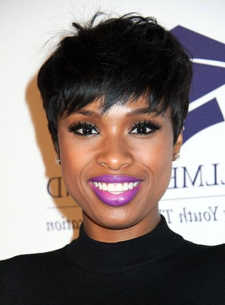 Jennifer Hudson Layered Razor Cut – Short Hairstyles Lookbook Regarding Razor Cut Short Hairstyles (View 8 of 20)