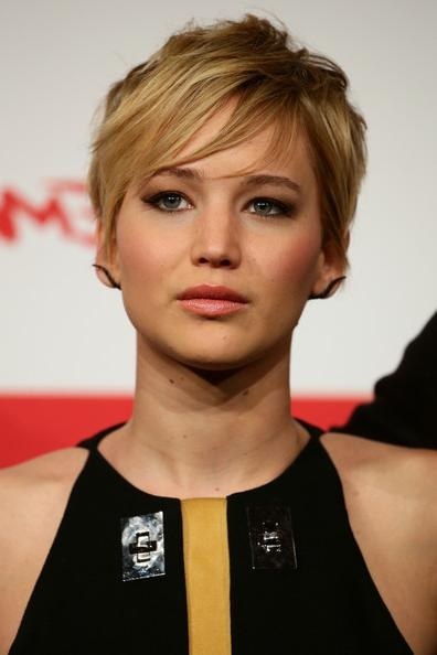 Jennifer Lawrence Messy Cut – Short Hairstyles Lookbook – Stylebistro Regarding Jennifer Lawrence Short Hairstyles (View 9 of 20)