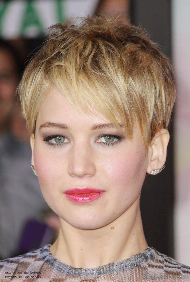 Jennifer Lawrence – Short Pixiecut With Angled Bangs For Jennifer Lawrence Short Haircuts (View 10 of 20)
