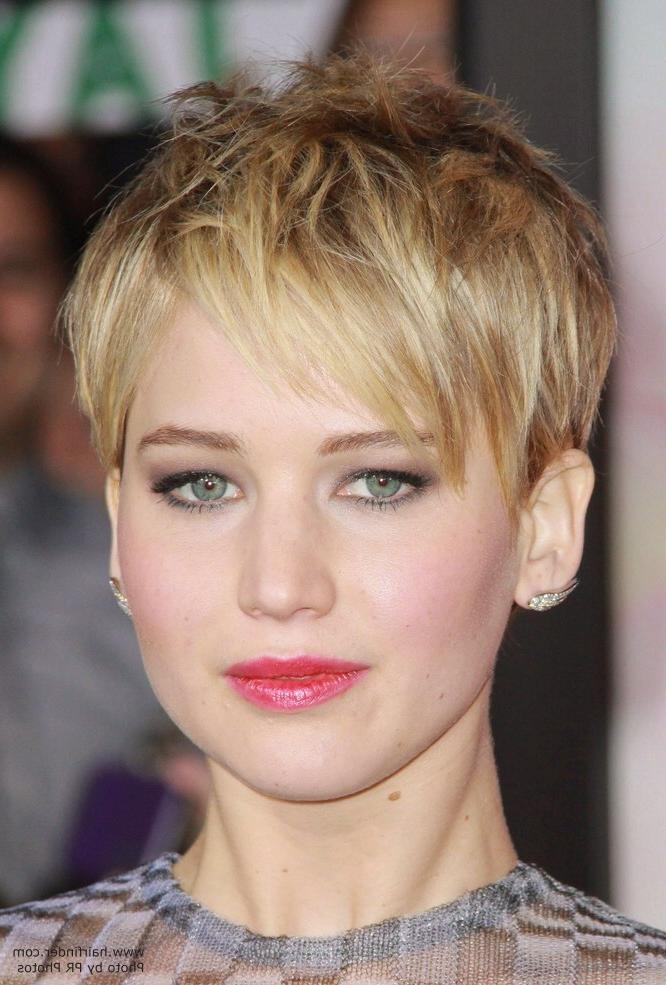 Jennifer Lawrence – Short Pixiecut With Angled Bangs With Jennifer Lawrence Short Hairstyles (View 6 of 20)