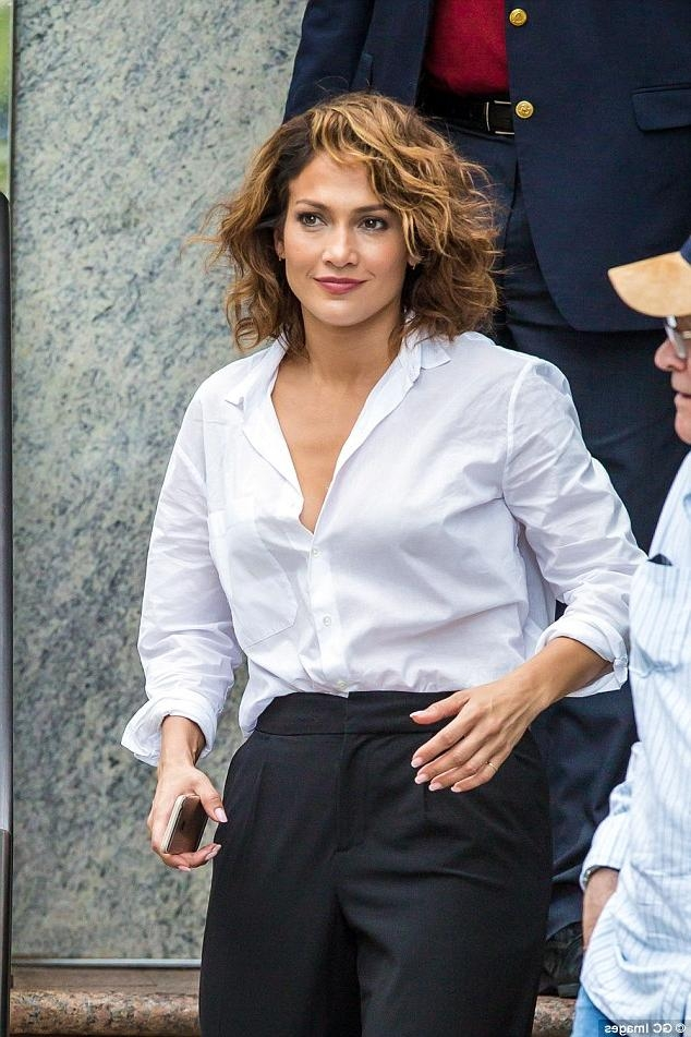 Jennifer Lopez Shows Off Her Newly Cropped Hair On Set For Shades With Regard To Jennifer Lopez Short Haircuts (Gallery 9 of 20)