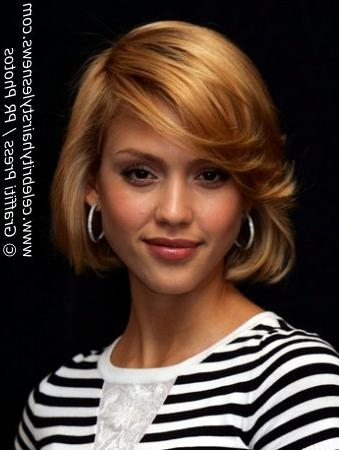 Jessica Alba With A Short Blunt Cut Hairstyle For Strawberry Blonde Short Hairstyles (View 17 of 20)