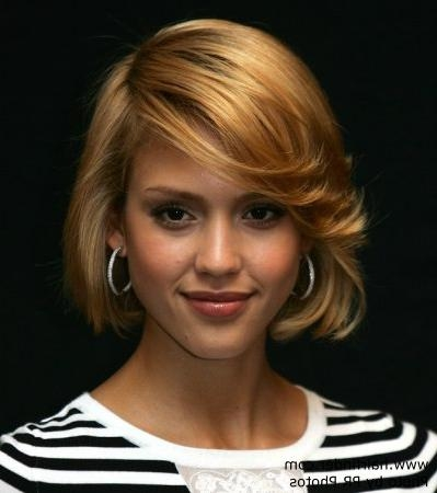 Jessica Alba With Short Hair, Cut In A Bob Pertaining To Jessica Alba Short Haircuts (View 16 of 20)