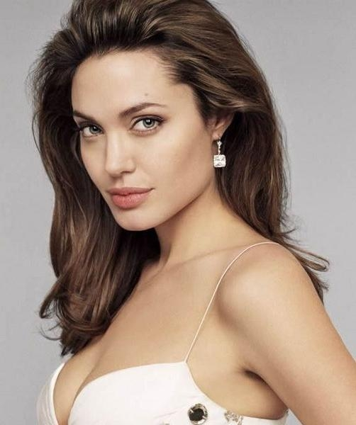 Jolie Medium Hairstyle Inside Angelina Jolie Short Hairstyles (View 14 of 20)