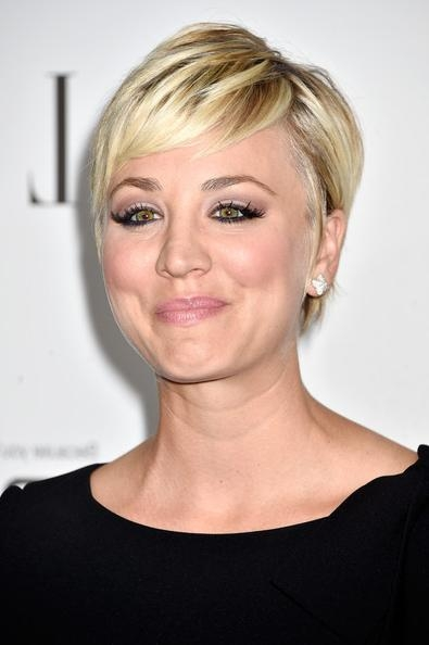 Kaley Cuoco Pixie – Short Hairstyles Lookbook – Stylebistro In Kaley Cuoco Short Hairstyles (View 12 of 20)