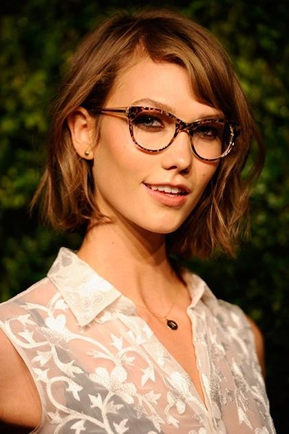 Karlie Kloss Best Beauty Moments | Teen Vogue Throughout Karlie Kloss Short Haircuts (Gallery 20 of 20)