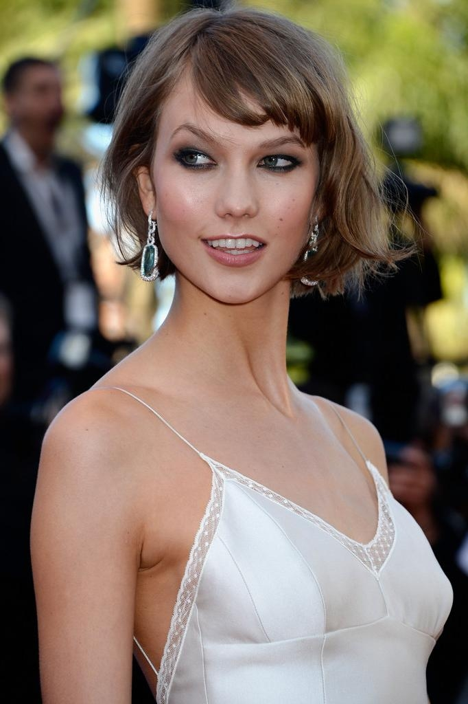 Karlie Kloss Short Hairstyles – Karlie Kloss Hair – Stylebistro With Regard To Karlie Kloss Short Haircuts (Gallery 9 of 20)