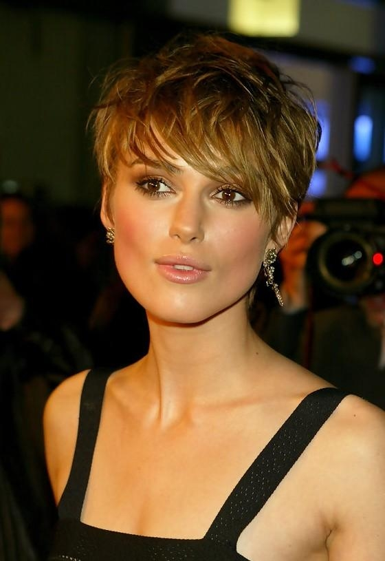 Keira Knightley Short Layered Straight Haircut With Bangs For In Keira Knightley Short Haircuts (View 15 of 20)