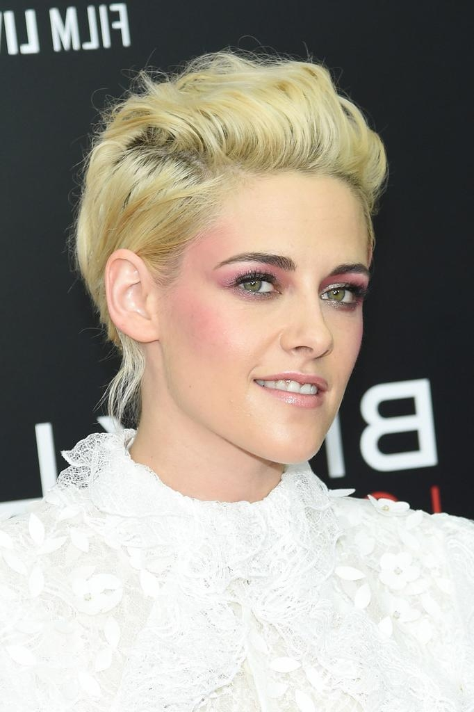 Kristen Stewart Short Hairstyles – Kristen Stewart Hair – Stylebistro For Kristen Stewart Short Hairstyles (View 15 of 20)