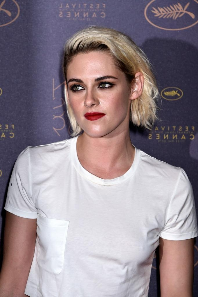 Kristen Stewart Short Hairstyles – Kristen Stewart Hair – Stylebistro With Kristen Stewart Short Hairstyles (View 16 of 20)