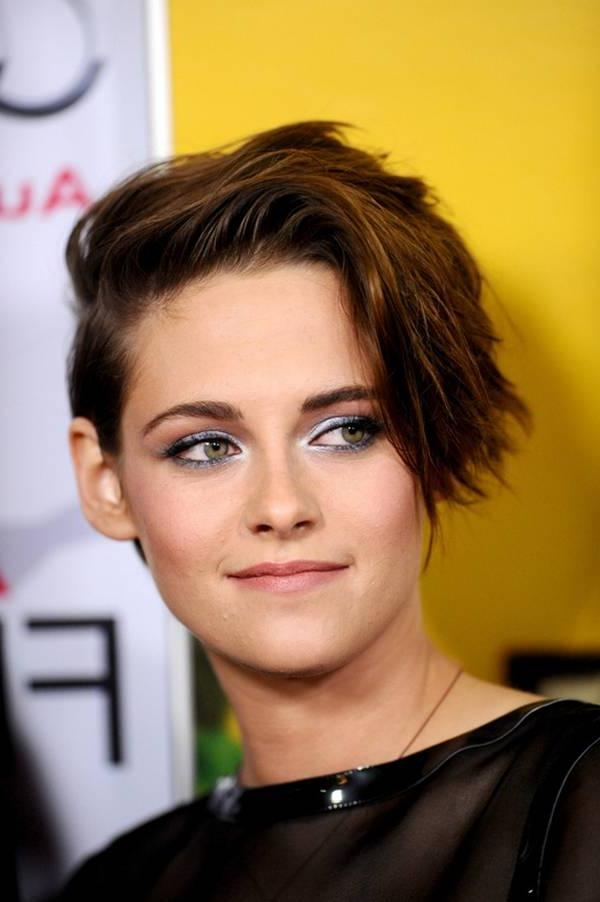 Kristen Stewart Side Short Hairstyles Is That Beauty Rock In Kristen Stewart Short Hairstyles (View 19 of 20)