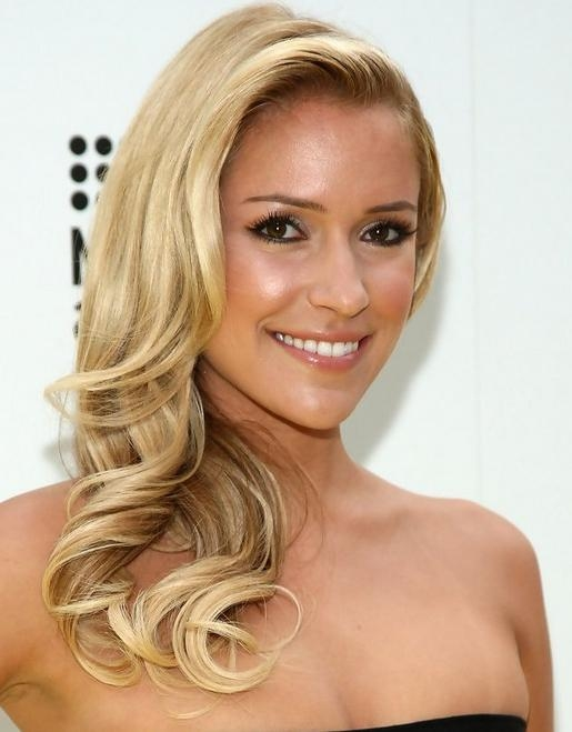 Kristin Cavallari Long Hairstyle: Side Parted Waves – Pretty Designs Within Kristin Cavallari Short Hairstyles (View 8 of 20)