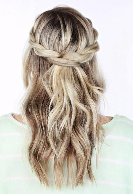 Latest Curly Long Hairstyles For Prom With Regard To 25+ Unique Curly Prom Hairstyles Ideas On Pinterest | Curly (View 8 of 15)