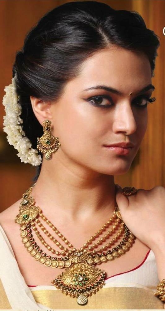 Latest Indian Bridal Long Hairstyles Within Best 25+ Hair Style For Saree Ideas On Pinterest | Indian (View 6 of 20)