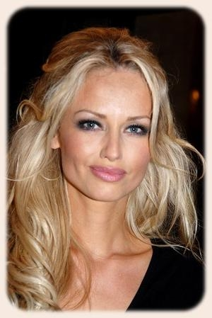 Latest Long Hairstyles Big Foreheads Pertaining To Long Hairstyle For Big Forehead ~ Best Haircuts (View 8 of 15)