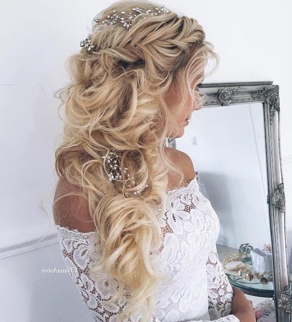 Latest Long Hairstyles For Homecoming Within 34 Easy Homecoming Hairstyles For 2017 Short,medium & Long (View 12 of 20)