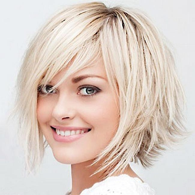 Layered Bob Hairstyles With Side Bangs For Blonde Platinum Throughout Short Haircuts With Bangs And Layers (View 16 of 20)