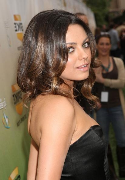 Mila Kunis Medium Curls – Mila Kunis Shoulder Length Hairstyles Regarding Mila Kunis Short Hairstyles (View 15 of 20)