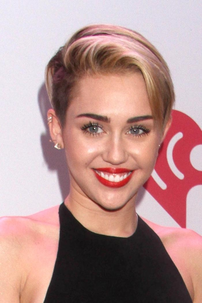 Miley Cyrus Hairstyles: Miley's Short & Long Hair Throughout Miley Cyrus Short Hairstyles (View 13 of 20)