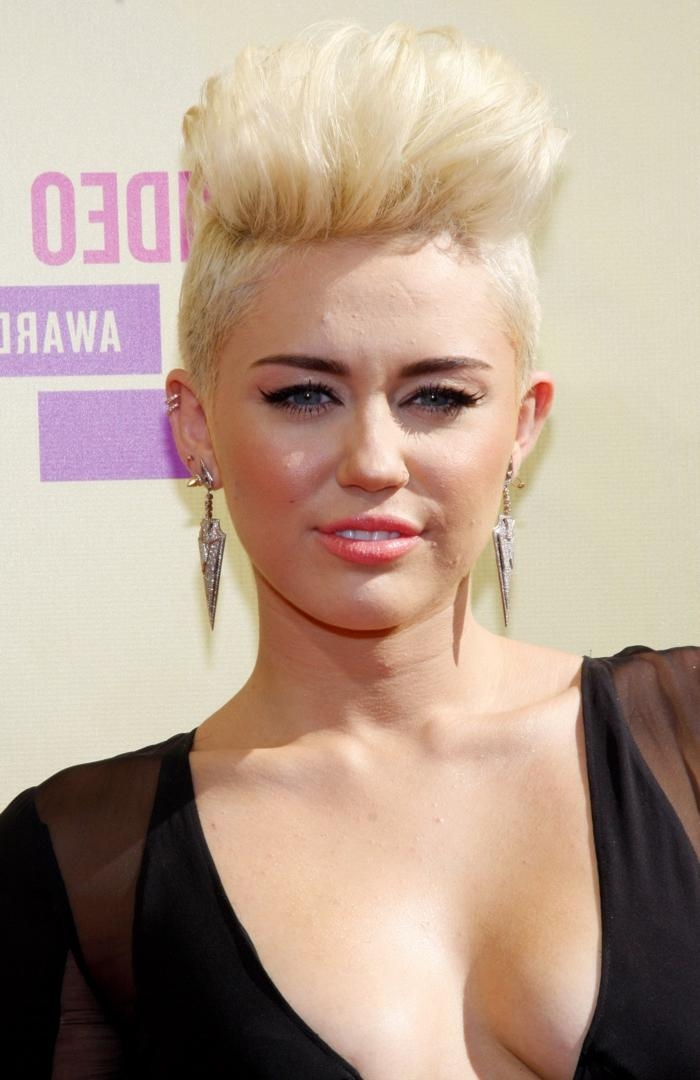 Miley Cyrus Hairstyles: Miley's Short & Long Hair With Short Haircuts Like Miley Cyrus (View 14 of 20)