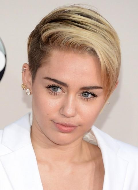 Miley Cyrus Hairstyles: Short Haircut – Pretty Designs Intended For Miley Cyrus Short Haircuts (View 9 of 20)