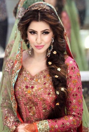 Most Current Indian Bridal Long Hairstyles Regarding 10 Best Indian Wedding Hairstyles For Curly Hair – Style Samba (View 10 of 20)