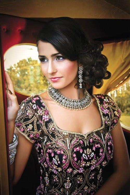 Most Current Indian Wedding Long Hairstyles Inside 16 Glamorous Indian Wedding Hairstyles – Pretty Designs (View 9 of 20)