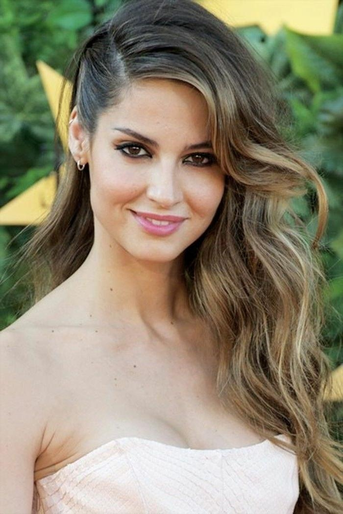 Most Current Long Hairstyles To One Side For 25+ Beautiful Side Hairstyles Ideas On Pinterest | Side Hair (View 8 of 20)