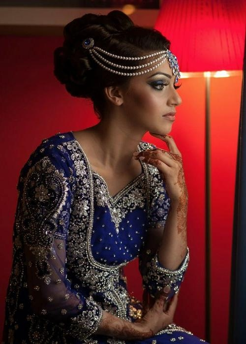 Most Popular Indian Bridal Long Hairstyles Within 16 Glamorous Indian Wedding Hairstyles – Pretty Designs (View 11 of 20)