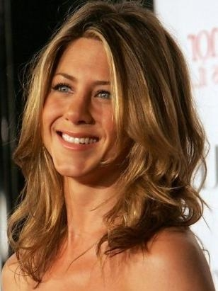 Most Popular Long Haircuts For Thick Wavy Hair In Medium Length Haircut For Thick Wavy Hair – Jennifer Aniston (View 9 of 15)