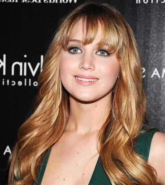 Most Recent Jennifer Lawrence Long Hairstyles Intended For Jennifer Lawrence Has Bangs — See Her New Hairstyle | Everydaywigs (View 12 of 20)