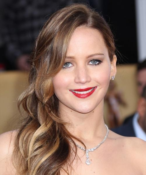Most Recent Jennifer Lawrence Long Hairstyles Within Jennifer Lawrence Long Wavy Casual Hairstyle (View 15 of 20)