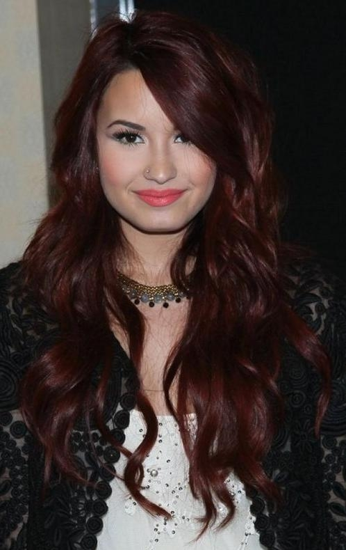 Most Recently Released Fall Long Hairstyles Intended For Demi Lovato Hairstyle: Layered Long Wavy Haircut For Fall (View 12 of 15)