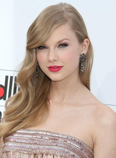 Most Recently Released Taylor Swift Long Hairstyles Throughout Taylor Swift – Beauty Riot (View 7 of 15)
