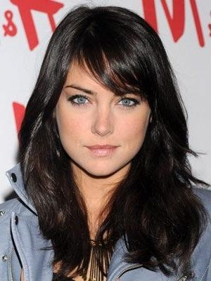 Most Up To Date Side Bang Long Hairstyles With Regard To 25+ Unique Side Swept Bangs Ideas On Pinterest | Sweep Bangs, Cut (View 11 of 20)