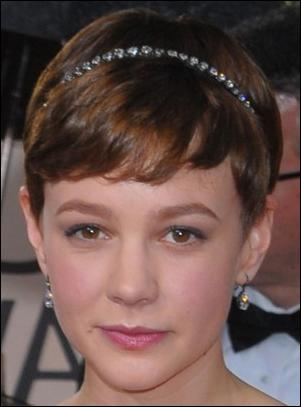 Mulligan's Cute Short Hairstyle With Headband At 2010 Golden Globe For Cute Short Hairstyles With Headbands (View 14 of 20)