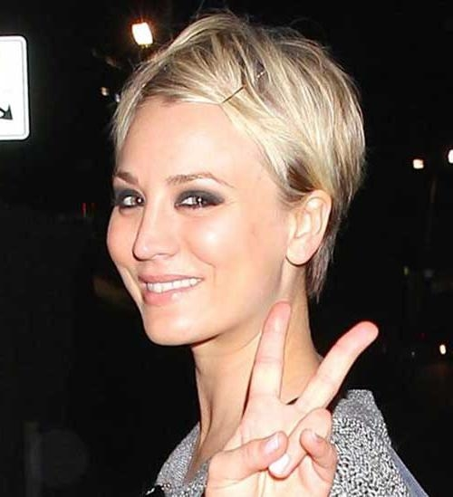 Photos Of Kaley Cuoco Short Haircut] 10 Times Kaley Cuoco Gave Us In Kaley Cuoco Short Hairstyles (View 18 of 20)