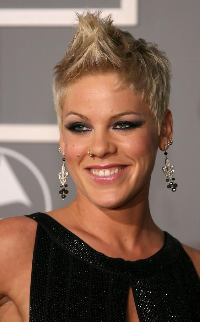 Pink Short Hairstyles – Pink Hair – Stylebistro In Pink Short Haircuts (View 9 of 20)