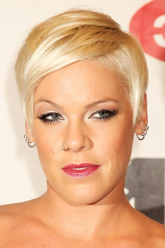 Pink Short Hairstyles – Pink Hair – Stylebistro Pertaining To Pinks Short Haircuts (View 15 of 20)