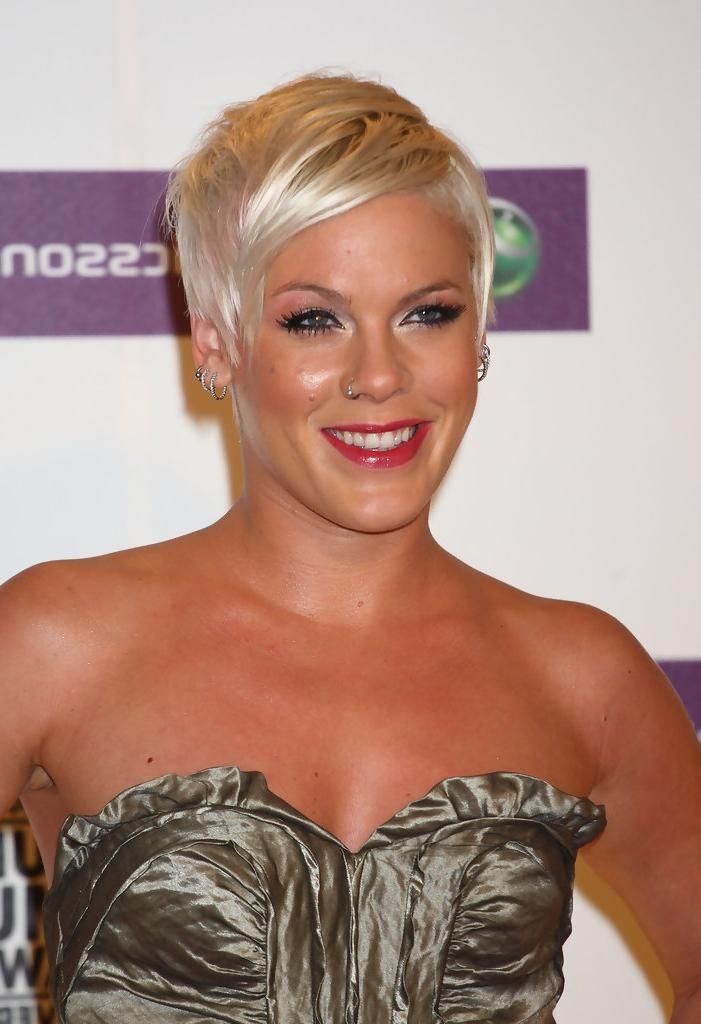 Pink Short Hairstyles – Pink Hair – Stylebistro Regarding Pink Short Haircuts (View 11 of 20)