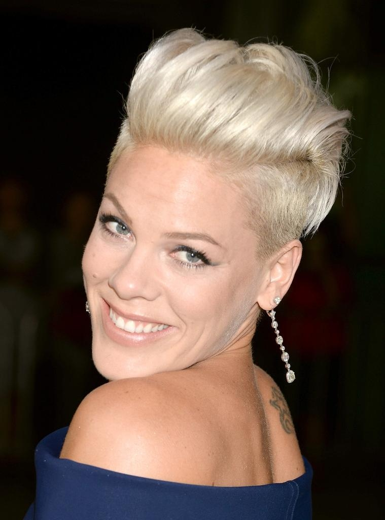 Pink Short Hairstyles – Pink Hair – Stylebistro With Pinks Short Haircuts (View 4 of 20)