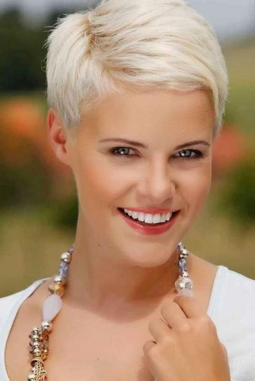 Platinum Short Haircuts! Inside Platinum Blonde Short Hairstyles (View 11 of 20)