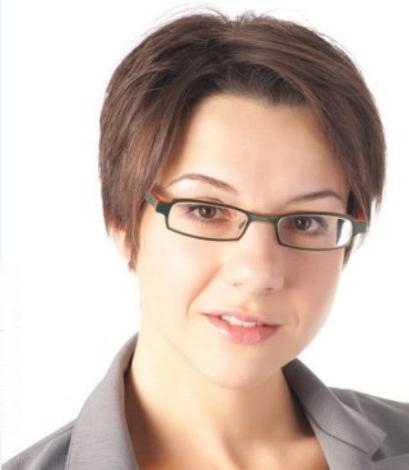 Professional Short Hair To Draw Attention To Fashionable Glasses In Short Hairstyles For Women With Glasses (View 16 of 20)